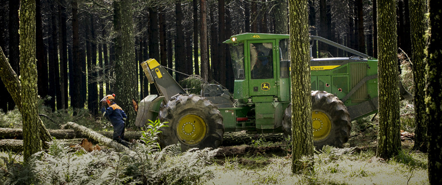 PRODUCTIVITY AND DURABILITY - KEY FEATURES OF JOHN DEERE'S NEW L-SERIES SKIDDERS